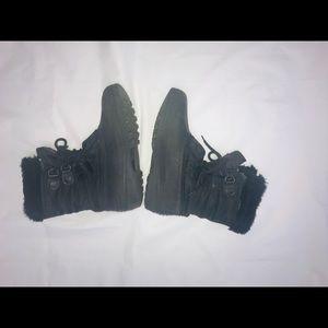 Sorel Women Snow Boots Size 9
